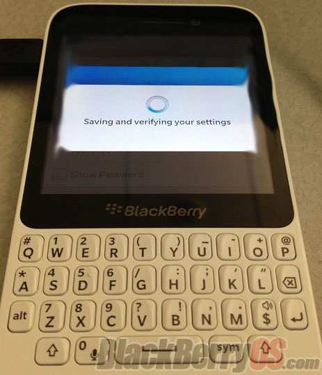 New BlackBerry 10 low-end QWERTY handset leaks online