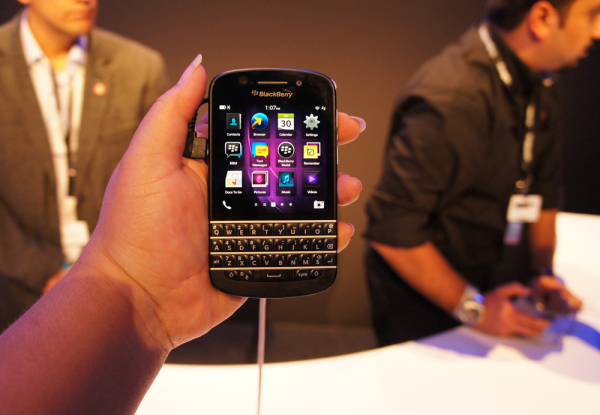 Retailers say the BlackBerry Q10 is a huge commercial failure