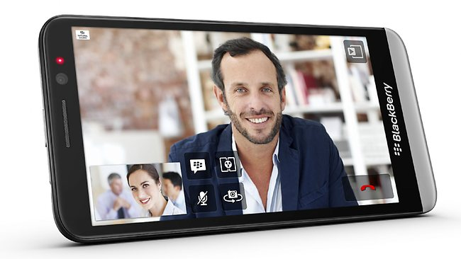 BlackBerry officially presents the Z30 smartphone with BB10.2 and 5'' screen
