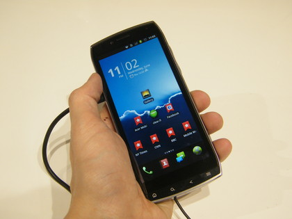 Acer Iconia Smart phone photo gallery, official photos